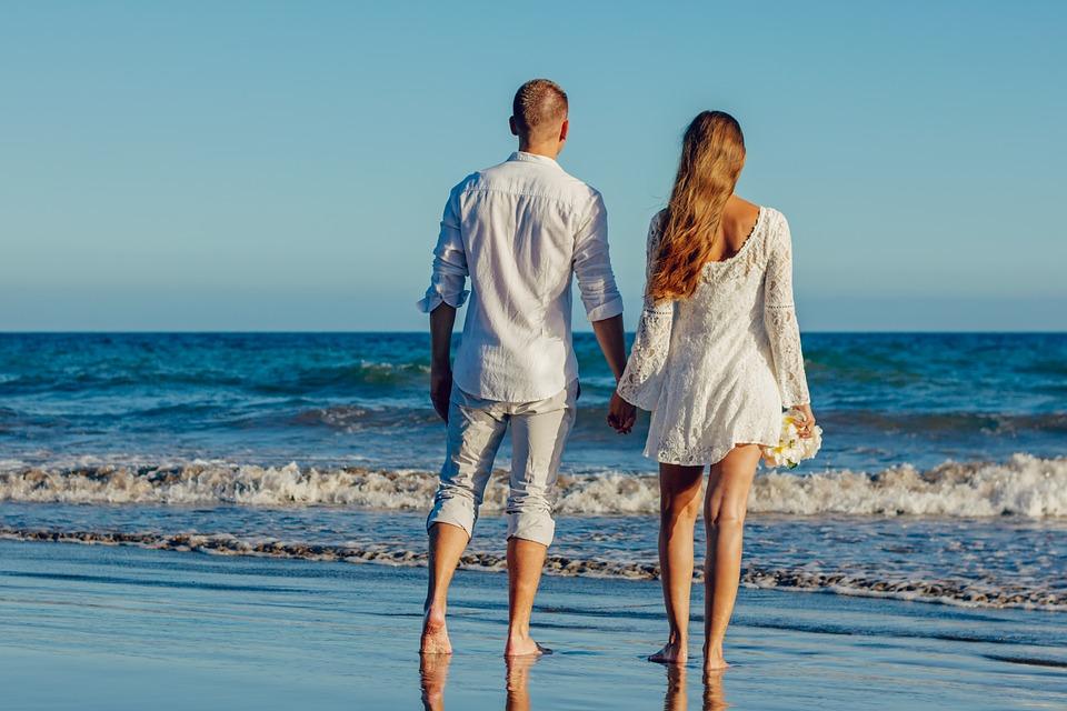 3 причины провести медовый месяц в Грузии.На пляже1