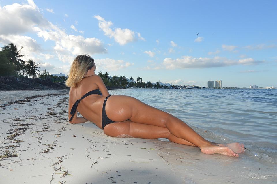 7 лучших мест Мексики. Пляж. Девушка.