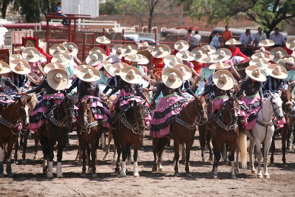 7 ярких примеров самобытной культуры Мексики. Карнавал1