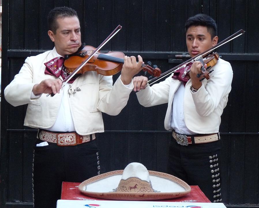 7 ярких примеров самобытной культуры Мексики. Мариачи.
