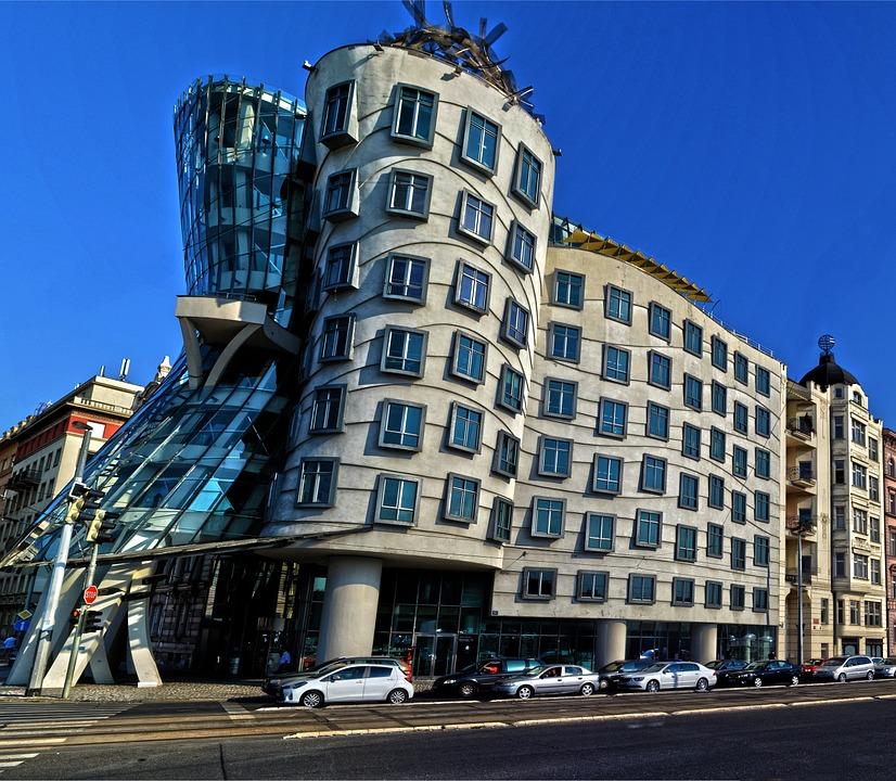 Прага. Танцующий дом.