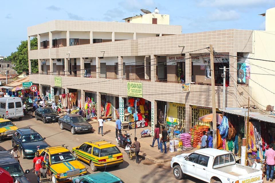 Гамбия.Торговый центр