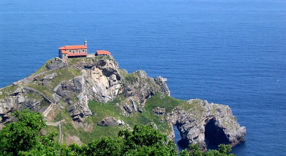 Испания. Остров Гастелугаче