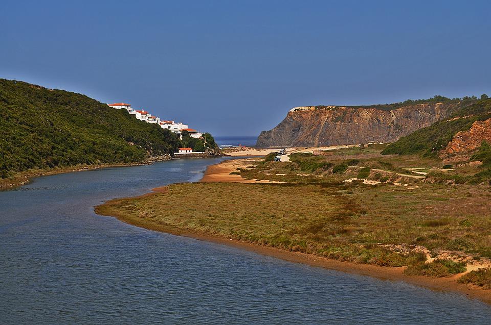 Португалия. Река Гвадиана