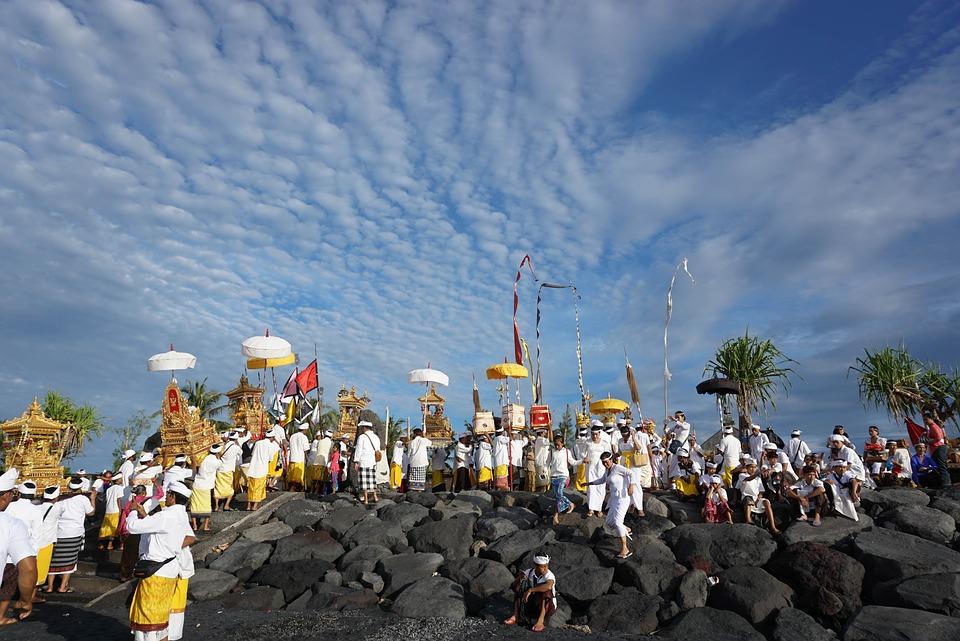 Праздники Бали. Бои за невест