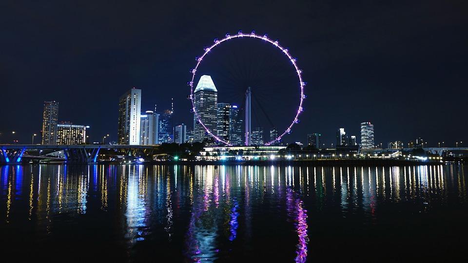 Сингапур Колесо обозрения Вечер