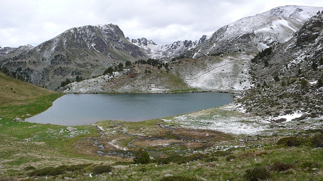 Андорра. Озеро